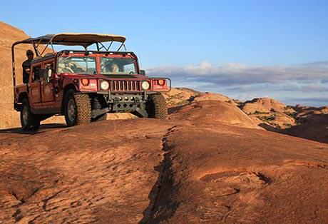 Moab Hummer Tours Front Horizon Close