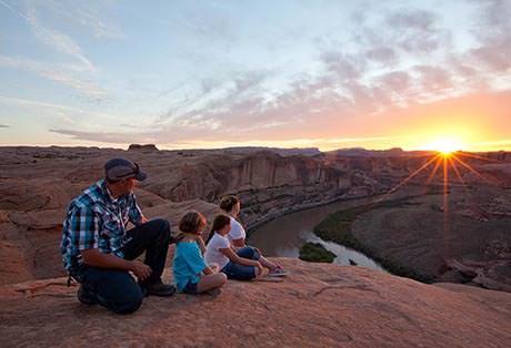 Moab Hummer Tours Rim Sunset 2